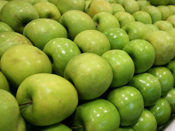 Green Apples Apple Apple - Fruit Apples Apple Fruit Apple Healthy Eating Fruit Green Color Food Food And Drink Freshness Organic Abundance Healthy Lifestyle Large Group Of Objects No People Backgrounds Full Frame Stack Market Close-up
