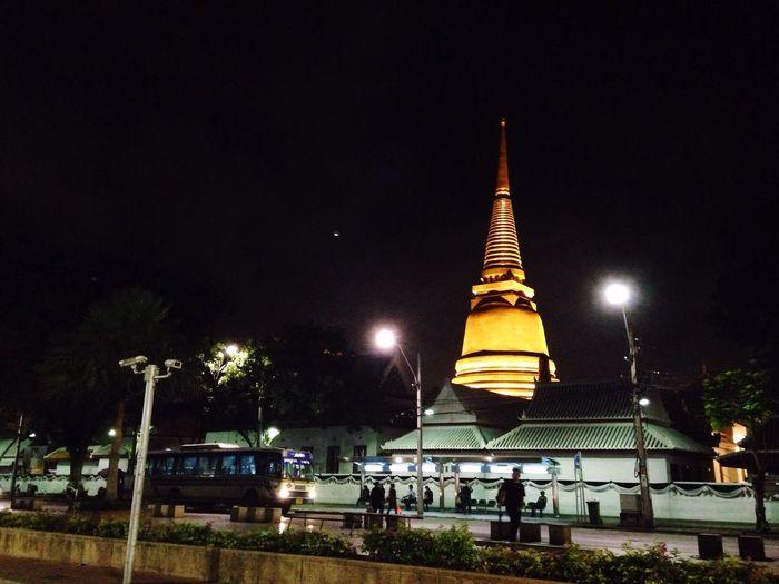Wat Borwonivat Banglumpu Phanakorn Temple Thai Temple Night Time Khaosan Rd. Thailand Bangkok Pagoda Golden