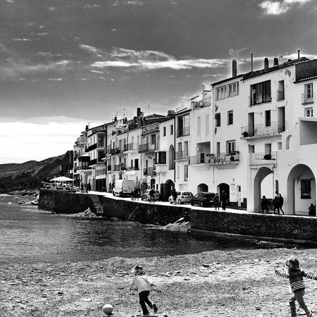 Playa de Cadaques....pronto volvera a estar llena jajajaa....si es que el verano ya esta aqui!!!! bon dia! buenos dias! good morning EyeEm Best Shots EyeEm Best Shots - Black + White Streetphotography Landscape_Collection