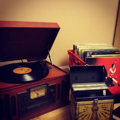 One of About 15 crates.been collecting for about 10 years now. Music keeps me happy. Listening to Harvest by Neil Young. Records Recordstoreday Vinyl Heartofgold neilyoung thirdmanrecords jackwhite jazzyfresh clarksville collector instagram instalife