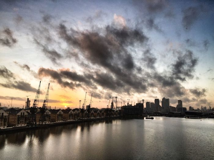 East London Sunset London Sunset Bett Excel London Cloudscape Docks East London