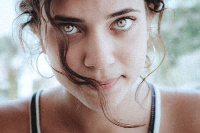 Portrait Portrait Of A Woman Portrait Of A Friend Portrait Photography Fuji FujiX100T VSCO VSCO Cam Vscogood Beautiful Girl Beautiful Portraits People Fuji X100t Beauty Girl Model Eyes Green Eyes Eyes Are Soul Reflection Vscocam Colors The Portraitist - 2017 EyeEm Awards This Is Natural Beauty