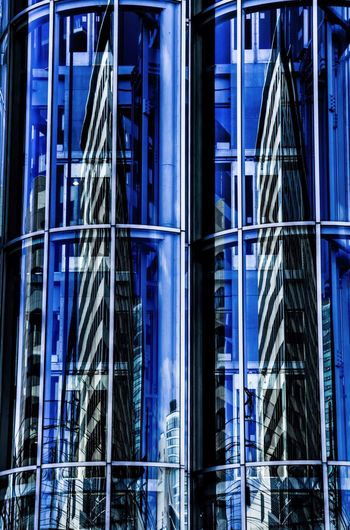 Twintowers in Glass Pipes / City Reflection