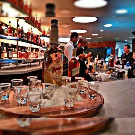 "Degustação Johnnie Walker""🍸✨ Johnniewalker Platinum Bluelabel Whisky Cachaçapremium Ypiocacincochaves Blacklabel Goldlabel Reserve Drinks Diageo Job"