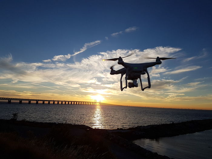 öresundsbron Øresundsbron Sky Water Sun Samsung Galaxy S7 Galaxys7 Taking Photos Sunset Dji Phantom 3 4k Sunset_collection Evening Sky Natural Beauty Dji Phantom Dji Dji Silhouette Sunset Silhouettes Lost In The Landscape