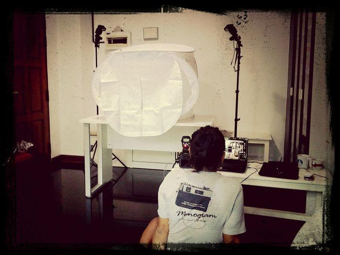 เตรียมพร้อม การถ่าย studio เล็กๆ... Photostudio Food Professional Waiting For Set Up