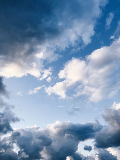 Cloud - Sky Sky Beauty In Nature Low Angle View Blue Nature Tranquility Cloudscape Outdoors Idyllic Full Frame Fluffy Heaven Tranquil Scene No People Day Backgrounds Scenics - Nature Meteorology Wispy