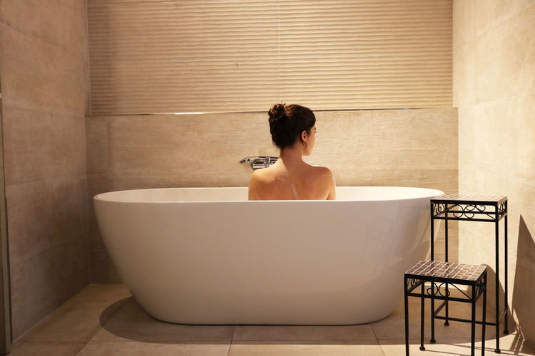 Domestic Bathroom Bathtub Bathroom One Person Domestic Room Taking A Bath Sitting Home Adult Lifestyles Wellbeing Indoors  Rear View Relaxation Hygiene Shirtless Leisure Activity Women Headshot Luxury Beautiful Woman Hairstyle Self Care  Spoiled Autumn Mood This Is Natural Beauty Moments Of Happiness 2018 In One Photograph International Women's Day 2019 Exploring Fun The Portraitist - 2019 EyeEm Awards The Minimalist - 2019 EyeEm Awards The Traveler - 2019 EyeEm Awards