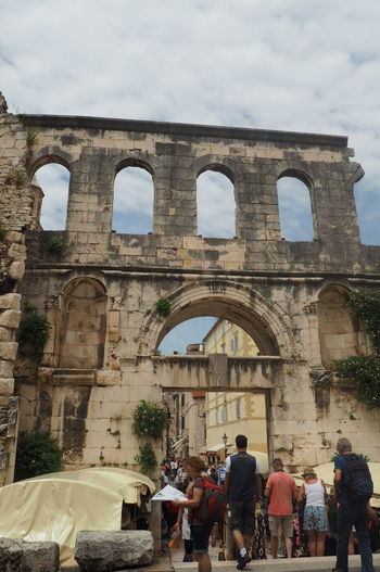 Old Beauty History Romanhistory City Men Old Ruin Ancient History Arch The Past Sky Architecture Roman Ancient Rome