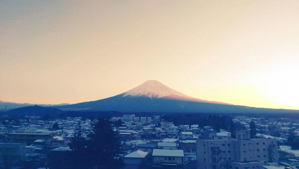 富士山再神聖 也無法修補愛情的瑕疵 Landscape Mt Fuji Sunset