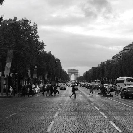 Paris, France  ArcoDelTriunfo Arco Del Triunfo  France Your Ticket To Europe Travel Photography Paris Turismo Francia Travel Destinations Tourism EyeEmNewHere Blackandwhite Black And White Black & White Black And White Photography
