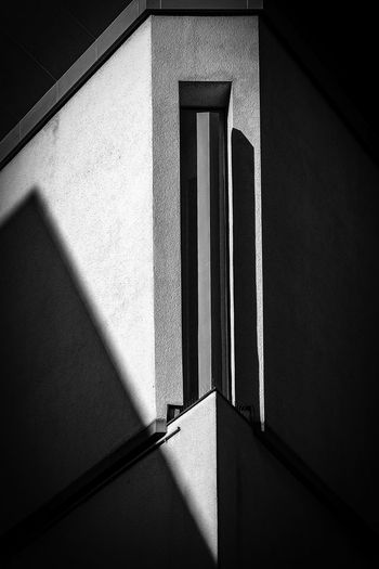 Corner Architecture Shadows & Lights Black And White Blackandwhite Blackandwhite Photography Geometry No People Shadows EyeEmNewHere The Graphic City