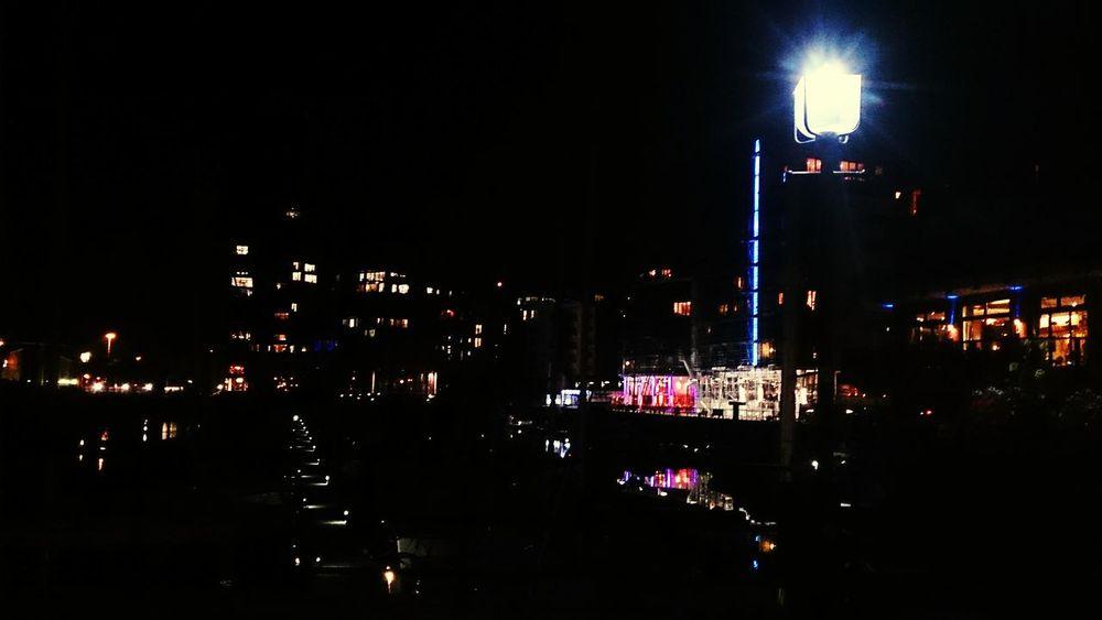 Southampton nocą. Night Lights Southampton Docks England🇬🇧 Light And Shadow Lihgts Night Night Photography Night City Night View