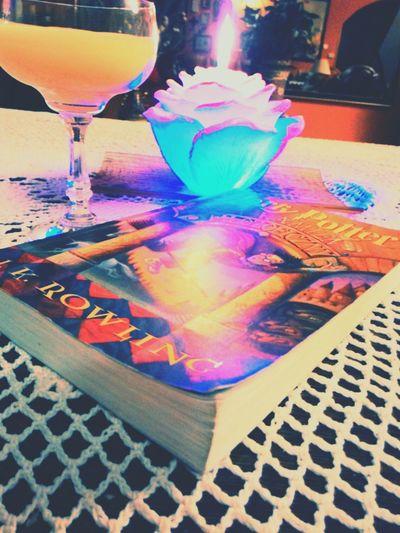 Piątkowe samotne wieczory nie muszą być nudne ;D Jajówa domowej roboty <3 Relaxing Lonley Friday Night Czytamy ! :) Love Books Książka Odpoczynek Harrypotter Piątek 13go Friday Friday13th