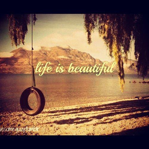 """E sempre será! Num rotineiro por do sol ou no momento em que você tem a sensação de que a vida é bonita e que pra conseguir o que se quer, mesmo que quebre a cara algumas vezes, é preciso arriscar e seguir em frente com coragem pra que o mundo que se quer vire realidade. A vida gosta de quem arrisca e confia no lado bom das coisas """"A vida só gosta de quem gosta de viver"""" Vamoquevamo Semaninha Paz"""