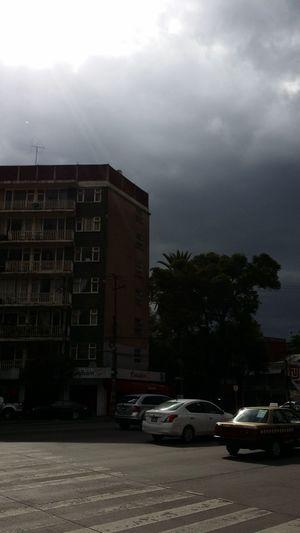 Sol y lluvia: dos en uno