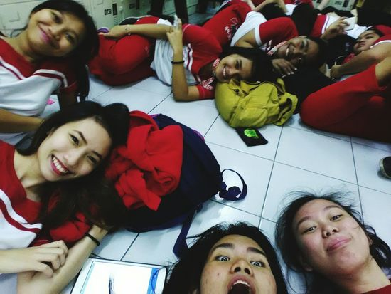 """Uniqueness """"Different people in one picture..."""" Red Lovely Friends Just For Fun Simple Chill Student Ue People MNL Red And White Culinary PE Attitude Smile Kir EM Expressions Bystanders Taking Photos"""