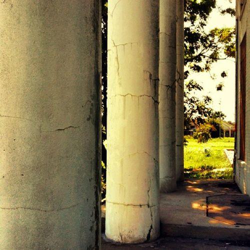 Abandoned Creepy Vacant Haunted Ruins Ruin Mansion NOLA Louisiana Historical Condemned Sketchy Neworleans Trailblazers_rurex Gentilly Deepsouth OutcastAmerica Oldsouth Onlylouisiana Louisianatravel Abandonedlouisiana