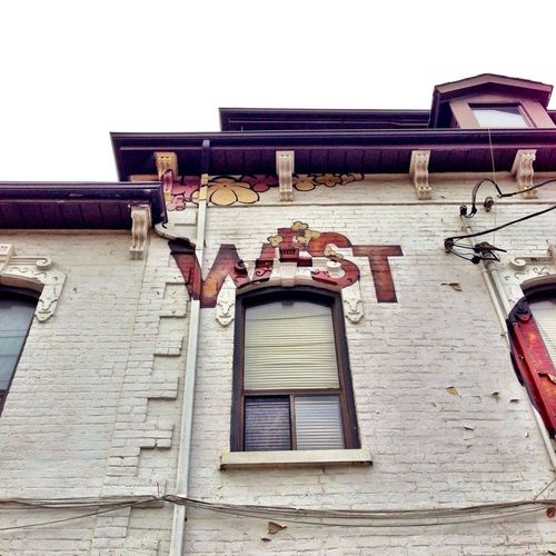 #westqueenwest #toronto #architecture #paintedbrick #weathered Awesome Architecture Urbanexploration Queen West Brick Love