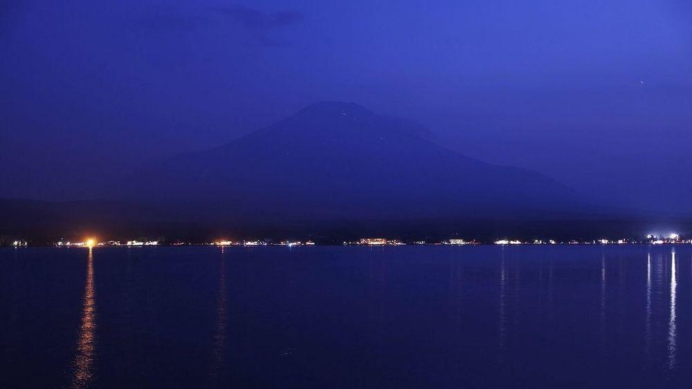 処暑も過ぎて秋の気配が感じられるようになりましたね(^^)富士山の山小屋の灯りももうそろそろ見納めです Mt.Fuji Nature_collection 25 Days Of Summer Night Lights