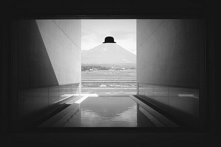 Gallery Art ArtWork Blackandwhite Black And White Black & White Blackandwhite Photography Hat Mountain Japan Landscape 植田正治写真美術館