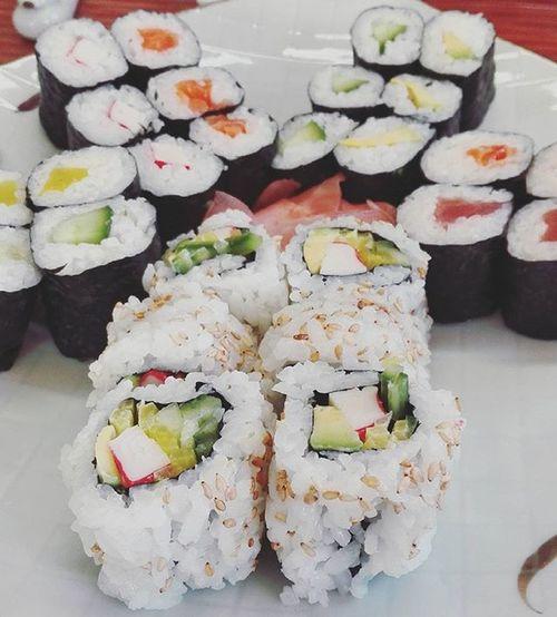 S dieučatama v sušárně <3 Sushi Winter Friday Lunch Japanese  ASIA Asiafood Sushi Sushilovers Sushilover Maki Californiasushi Food Foodporn Namka Jídlo Rice Foodie Foodoftheday Foodofinstagram Instafood SushiBar Photooftheday Picoftheday Lifestyle healthy @reimartina @petraduongova @katerinalehmannova