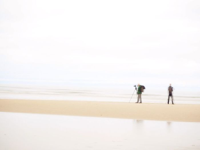 Fotografen Sea Two People Scenics Water Beauty In Nature Togetherness People Men Outdoors Sand