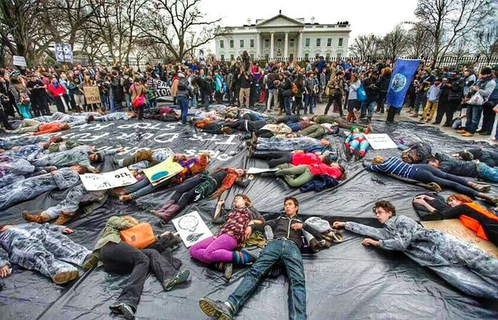 MANY STUDENTS PROTESTING THE KEYSTONE PIPELINE WERE ARRESTED .. Truth Is Not A Thought, Its An Expierence Stand For Something Or Youll Fall For Anything!! Stop Raping Our Land !!!!