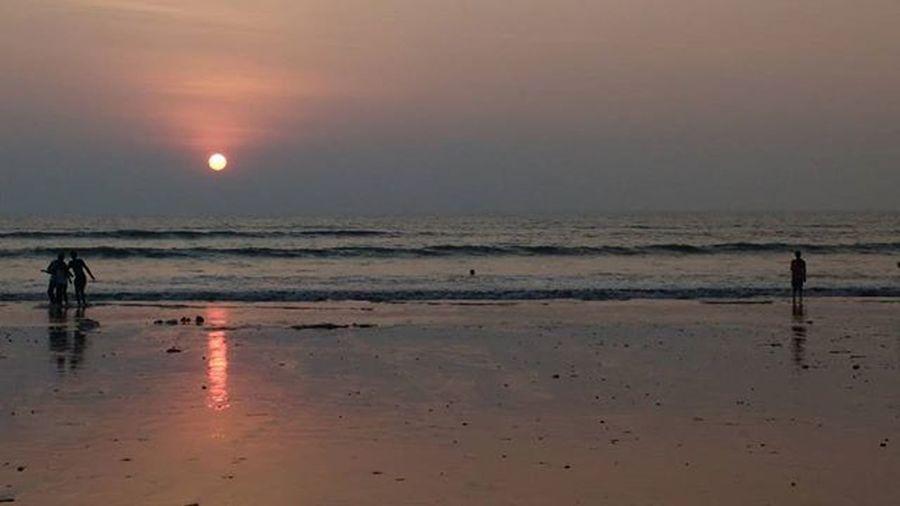 Moto Motog3 Sunsets Beachthings Juhubeach Love Nio Nio_ruleofthirds Nothingisordinary_ Nofilters Everydaymumbai @zilliongallery Mumbaimerijaan