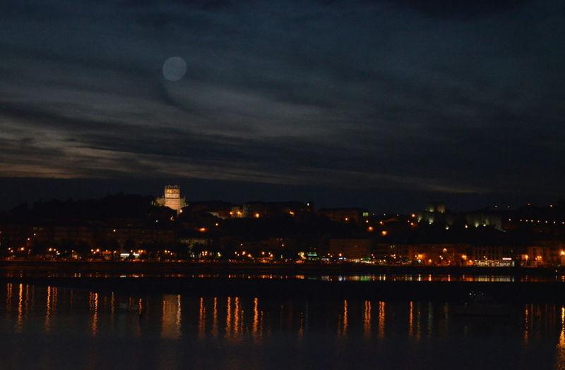 Noche en San Vicente de la Barquera, hace dos semanas.