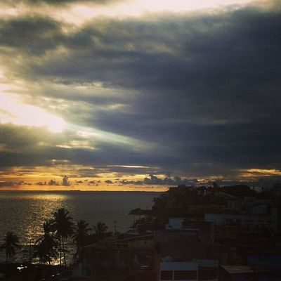 The pre Samba Sunset in Salvador Maninbrazil @hostelling @fdesignhostel worldcup brazil bahia
