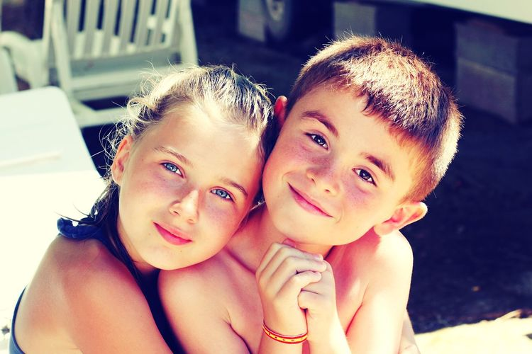 Photography Photographer Portrait Baby Face Cousin Et Cousine Lumiere Naturelle Souvenirs De Vacances Love Them Canonphotography Canon Love Love Love.♥♥♥ My Nefew And Niece Family Time Girls Smiling Happiness Love Family Children Only People