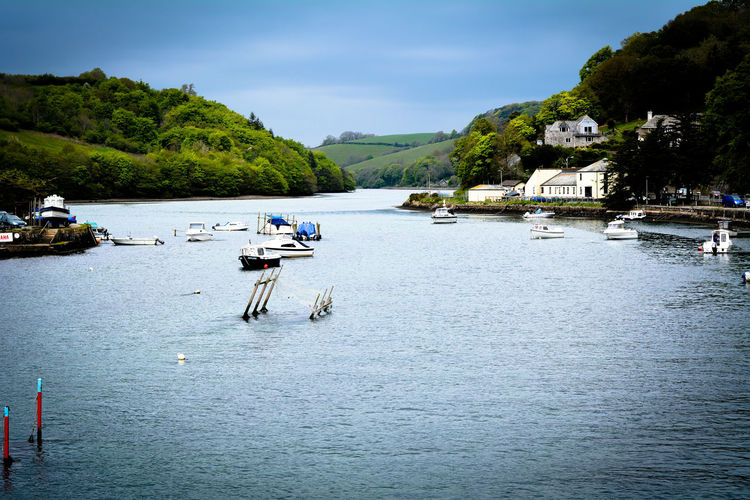 The beauty of Looe cornwall Looe Cornwall Photography Landscape Nature Photography River Natural Outdoors Fine Art Landscape River Day Pease Peasefull Beautiful Beauty In Nature Scenery Shots Scenery