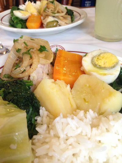 Gastronomía deliciosa na Adega Flor De Coimbra na Lapa Rio De Janeiro Brazil Bacalhau Food