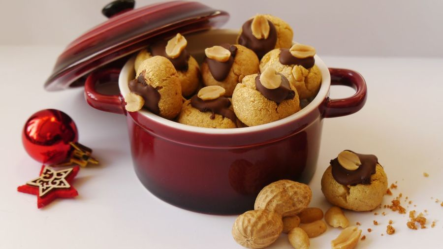 Close-up of peanut cookies in bowl on table