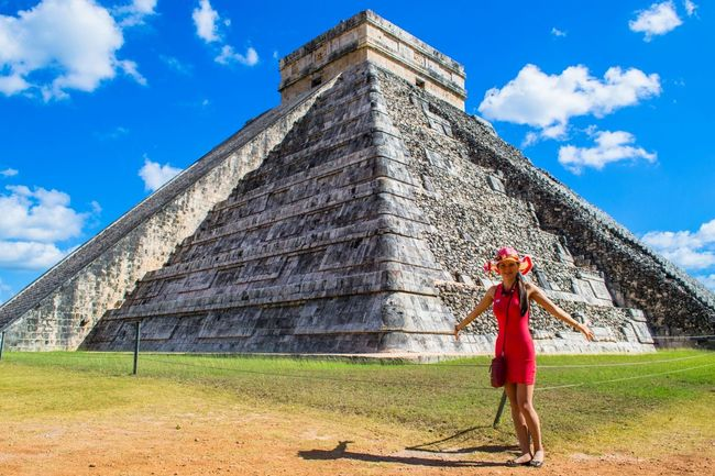 Best thing to see in Mexico- --Chichen Itza Attraction Chichen Itza Friendlylocalguides Girl Holidays Mexico National Landmark Pyramid Things To Do Vacation What To See In Mexico Where To Go Wonder Of The World