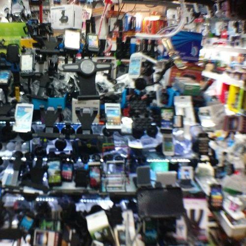 今天下午到光華商場 幫忙顧店兼差打雜 光華商場 功易音響 光華數位新天地