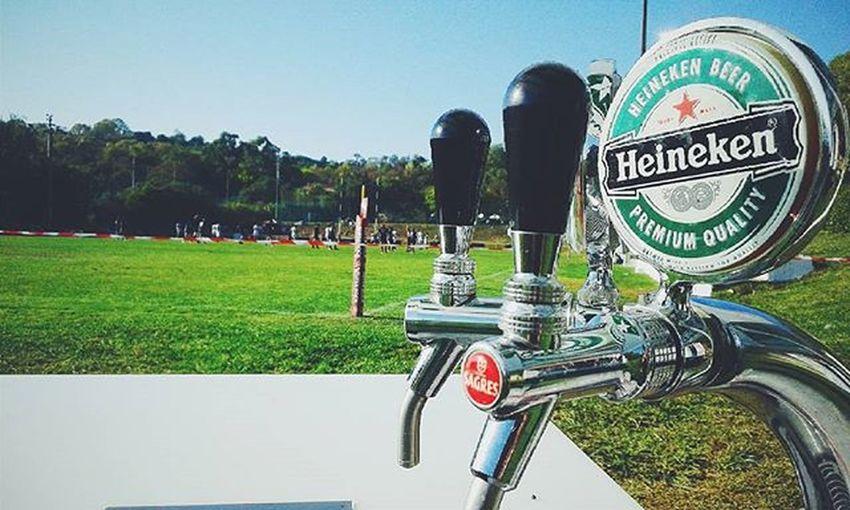 O rapaz das Heineken's. 🍺 Work Heineken Rugby Rugbybar Agronomia Vscocam Nature Tapadadaajuda Lisboa Portugal