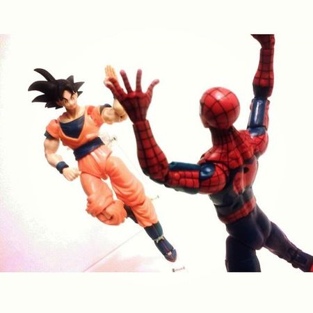 """Holy mother flubber!! Goku!!!?"" ""Haha heeeeey long time no see!!! By the way do i know you?"" Marvellegends SHfiguarts Dragonballz BANDAI Songoku Spiderman Amazingspiderman Goku Shonenjump Toycollection Toycommunity Toyplanet Toyporn Toyelite Toygroup_alliance Toyphotogallery Toyphotography Articulatedcomicbookart Actionfigurephotography Toysartistry Toyscrewbuddies Toystagram Toyslagram Anime Actiontoyart toyboner toyrevolution toycollector toys4life"
