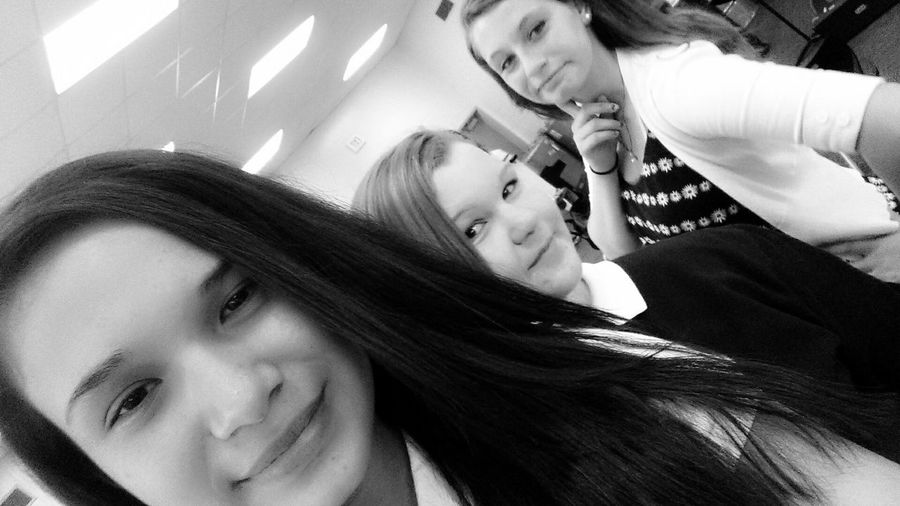 my buds Hanging Out Class Wow:) BORED!