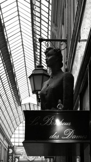 Blackandwhite Photography Blackandwhite Black And White Gallery Paris Paris ❤ Paris Fashion Week Streetphoto_bw Street Photography Streetphotography Old Shop Passage Verdeau