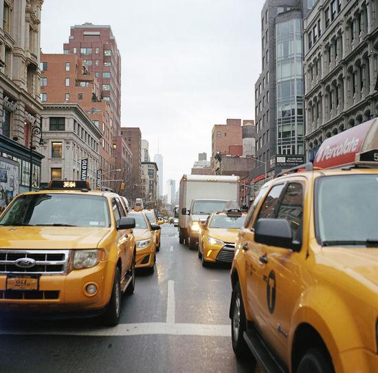 Sixth Avenue, February 2016 Manhattan Flatiron District NYC Yellowcab Nyctaxi Lubitel Film Photography Kodak Kodak Portra 400 Kodak Portra Ishootfilm Perspective WTC Freedom Tower Streetphoto_color