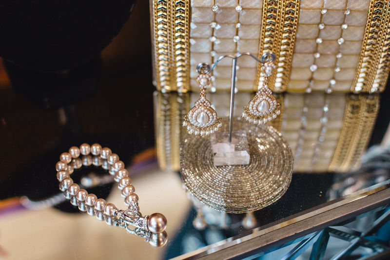 Close-up Day Elégance Fashion For Sale Gold Colored Hanging Indoors  Jewelry Jewelry Store Luxury Necklace No People Retail  Store Variation Wealth