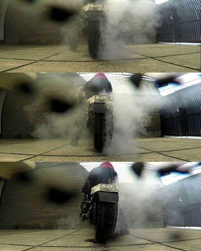 Burn baby burn.... Motorcycle Kawasakiz250 Kawasaki Z250 NakedBike Nakedbikenation Burnout Formaboots Val  2016 Gopro Goproblackedition Gopro3plus Gopro_everything Gopro4life Goprooftheday Gopromoment 😚