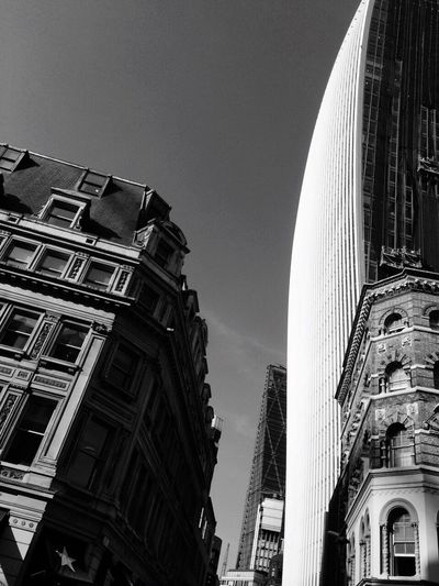 Learn & Shoot: Simplicity Fleet Street London Blackandwhite Black&white Cityscape City Life Cityscapes Newandold Walkietalkiebuilding Eastcheap