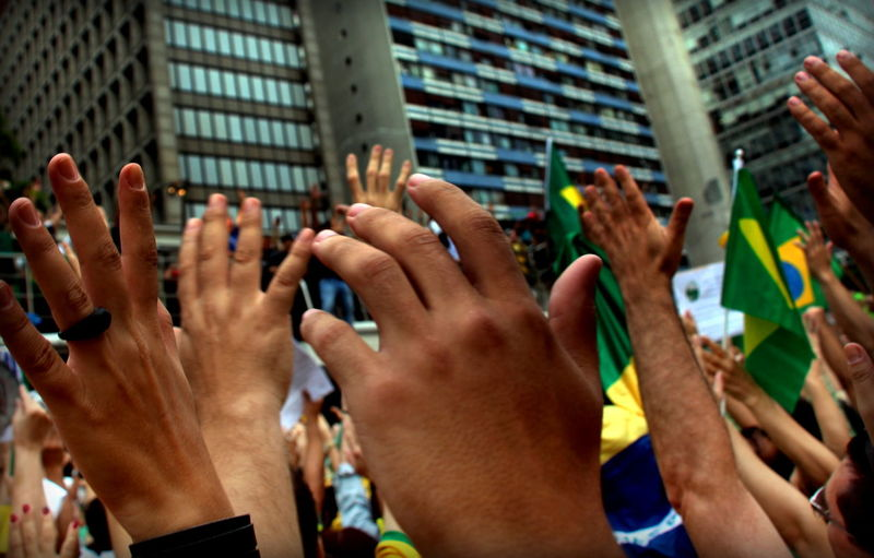 Adults Only Human Body Part Human Hand Outdoors Parade On Paulista Avenue Real People Snap A Stranger Colour Your Horizn