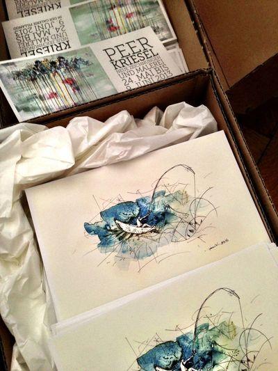 Postkärtchen Kunst Ausstellung Happiness In A Box