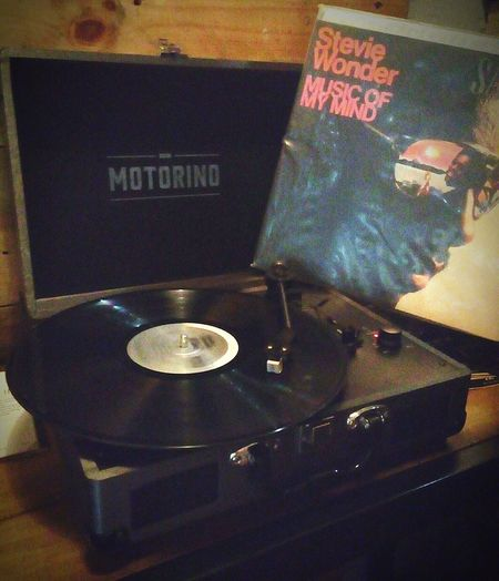 Modern Vintage. Motorino Satchmi Hangout Chill Vintage Classic StevieWonder Vibe Musicofmymind Classicmusic 70s Seventies Classical Music