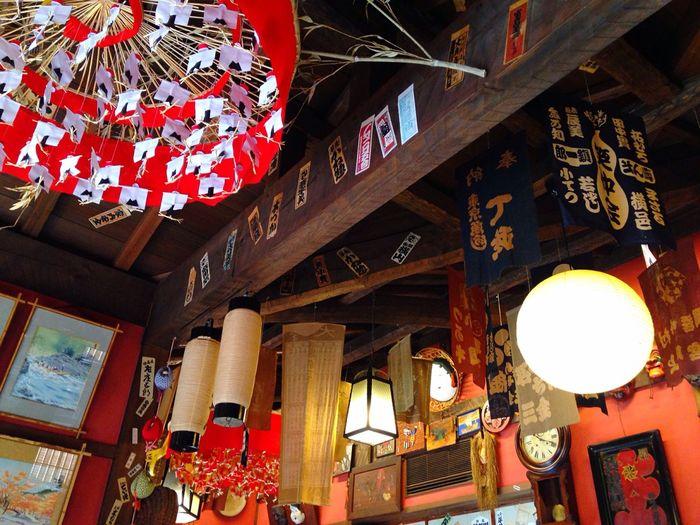 中はこんな感じでした!写ってないですがもっとごちゃごちゃしてるところもありました‼︎ Kyoto Japan 八坂