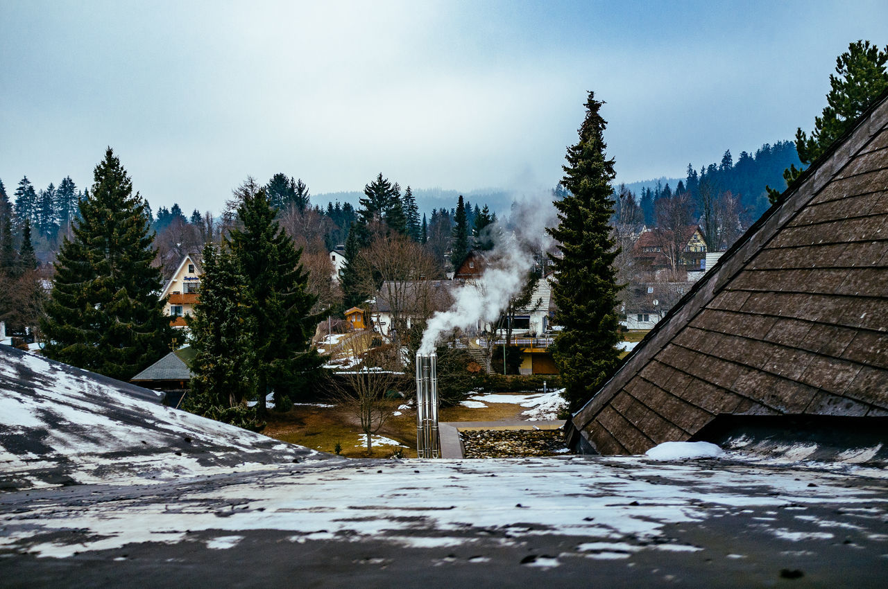 winter, cold temperature, snow, weather, architecture, built structure, nature, building exterior, tree, day, no people, frozen, outdoors, beauty in nature, mountain, sky, water